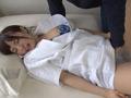 看護師さんの無防備すぎるパンチラが天使すぎて超勃起!のサムネイルエロ画像No.1