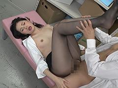 パンスト:女上司の無防備なパンストにたまらず勃起! 3